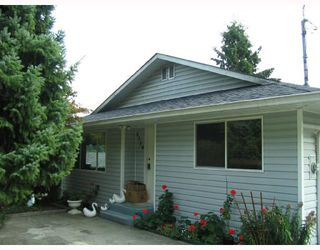 Photo 1: 5739 ANCHOR Road in Sechelt: Sechelt District House for sale (Sunshine Coast)  : MLS®# V735690