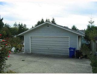 Photo 3: 5739 ANCHOR Road in Sechelt: Sechelt District House for sale (Sunshine Coast)  : MLS®# V735690
