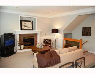 "Photo 4: 5735 SOPHIA Street in Vancouver: Main House for sale in ""MAIN STREET"" (Vancouver East)  : MLS®# V750854"