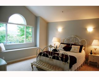 "Photo 5: 5735 SOPHIA Street in Vancouver: Main House for sale in ""MAIN STREET"" (Vancouver East)  : MLS®# V750854"