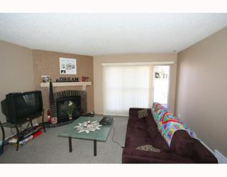 Photo 3: 307 40 Street SW in CALGARY: Wildwood Residential Detached Single Family for sale (Calgary)  : MLS®# C3377030