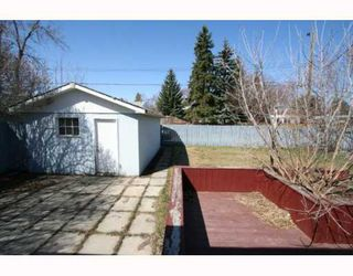 Photo 13: 307 40 Street SW in CALGARY: Wildwood Residential Detached Single Family for sale (Calgary)  : MLS®# C3377030