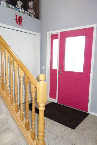 Photo 2: 2208 BRENNAN Court in Edmonton: Zone 58 House for sale : MLS®# E4174178