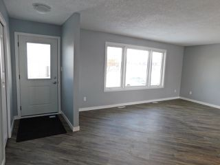 Photo 5: 5028 50 Street: Gibbons House for sale : MLS®# E4183070