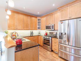 Photo 3: 330 HUCKLEBERRY Lane in QUALICUM BEACH: PQ Qualicum North House for sale (Parksville/Qualicum)  : MLS®# 830831