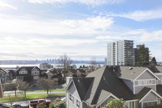 Photo 19: 1 220 E KEITH Road in North Vancouver: Central Lonsdale Townhouse for sale : MLS®# R2439322