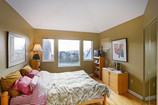 Photo 10: 1 220 E KEITH Road in North Vancouver: Central Lonsdale Townhouse for sale : MLS®# R2439322