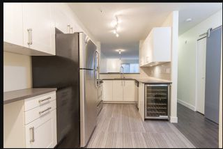 """Photo 3: 104 210 CARNARVON Street in New Westminster: Downtown NW Condo for sale in """"HILLSIDE HEIGHTS"""" : MLS®# R2448069"""
