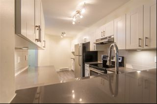 """Photo 2: 104 210 CARNARVON Street in New Westminster: Downtown NW Condo for sale in """"HILLSIDE HEIGHTS"""" : MLS®# R2448069"""