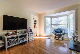 Photo 3: 3220 CEDAR Drive in Port Coquitlam: Lincoln Park PQ 1/2 Duplex for sale : MLS®# R2466231
