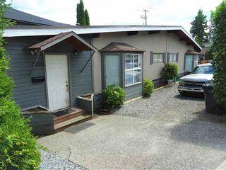 Photo 2: 3220 CEDAR Drive in Port Coquitlam: Lincoln Park PQ 1/2 Duplex for sale : MLS®# R2466231