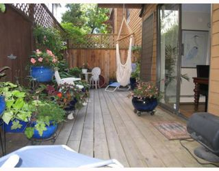 """Main Photo: 103 1930 W 3RD Avenue in Vancouver: Kitsilano Condo for sale in """"THE WESTVIEW"""" (Vancouver West)  : MLS®# V784459"""