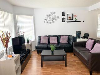 Photo 3: 24 RIVERCREST Close SE in Calgary: Riverbend Detached for sale : MLS®# A1035523