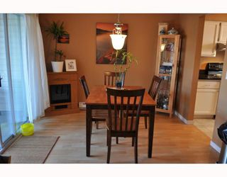 """Photo 4: 20 765 SCHOOL Road in Gibsons: Gibsons & Area Townhouse for sale in """"SUNSHINE RIDGE"""" (Sunshine Coast)  : MLS®# V792777"""