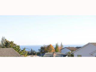 "Photo 10: 20 765 SCHOOL Road in Gibsons: Gibsons & Area Townhouse for sale in ""SUNSHINE RIDGE"" (Sunshine Coast)  : MLS®# V792777"