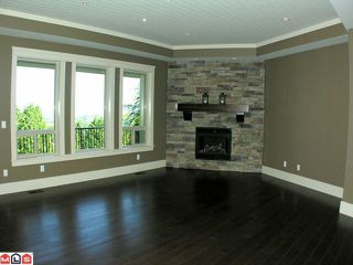 Photo 5: 3529 MIERAU Court in Abbotsford: Abbotsford East House for sale