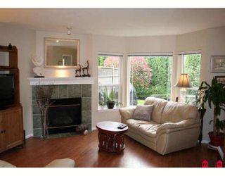 """Photo 2: 317 16233 82ND Avenue in Surrey: Fleetwood Tynehead Townhouse for sale in """"THE ORCHARDS"""" : MLS®# F2829988"""
