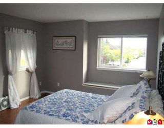 """Photo 8: 317 16233 82ND Avenue in Surrey: Fleetwood Tynehead Townhouse for sale in """"THE ORCHARDS"""" : MLS®# F2829988"""