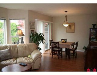 """Photo 4: 317 16233 82ND Avenue in Surrey: Fleetwood Tynehead Townhouse for sale in """"THE ORCHARDS"""" : MLS®# F2829988"""
