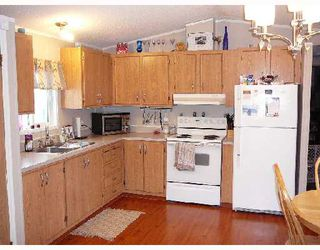 "Photo 3: 3013 THEE Court in Prince_George: Emerald Manufactured Home for sale in ""EMERALD"" (PG City North (Zone 73))  : MLS®# N188387"