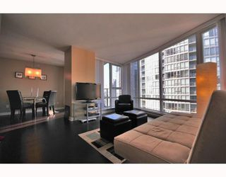 """Photo 2: 2206 1438 RICHARDS Street in Vancouver: False Creek North Condo for sale in """"AZURA 1"""" (Vancouver West)  : MLS®# V756431"""