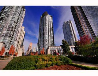 """Photo 10: 2206 1438 RICHARDS Street in Vancouver: False Creek North Condo for sale in """"AZURA 1"""" (Vancouver West)  : MLS®# V756431"""