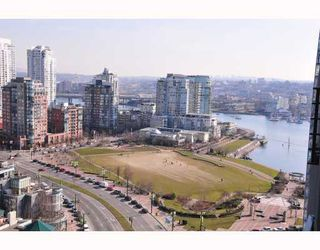"""Photo 9: 2206 1438 RICHARDS Street in Vancouver: False Creek North Condo for sale in """"AZURA 1"""" (Vancouver West)  : MLS®# V756431"""