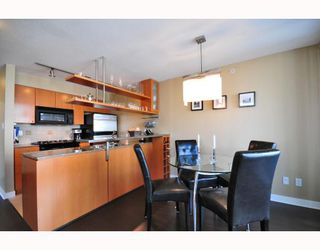 """Photo 3: 2206 1438 RICHARDS Street in Vancouver: False Creek North Condo for sale in """"AZURA 1"""" (Vancouver West)  : MLS®# V756431"""