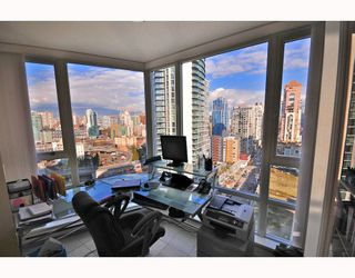 """Photo 6: 2206 1438 RICHARDS Street in Vancouver: False Creek North Condo for sale in """"AZURA 1"""" (Vancouver West)  : MLS®# V756431"""