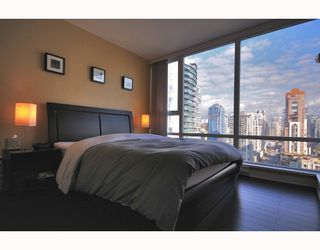 """Photo 7: 2206 1438 RICHARDS Street in Vancouver: False Creek North Condo for sale in """"AZURA 1"""" (Vancouver West)  : MLS®# V756431"""
