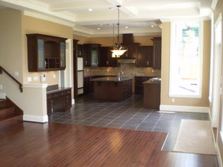 Photo 4: 219 W BALMORAL Road in North Vancouver: Upper Lonsdale House for sale : MLS®# V770499