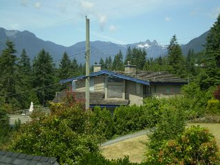 Photo 10: 219 W BALMORAL Road in North Vancouver: Upper Lonsdale House for sale : MLS®# V770499