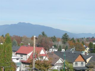 Photo 10: 3044 CLARK Drive in Vancouver: Grandview Woodland House Duplex for sale (Vancouver East)  : MLS®# R2417657