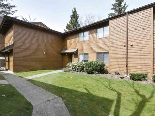 """Photo 15: 2302 10620 150 Street in Surrey: Guildford Townhouse for sale in """"LINCOLNS GATE"""" (North Surrey)  : MLS®# R2449550"""