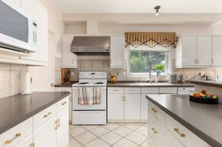 Photo 10: 929 HEACOCK Road in Edmonton: Zone 14 House for sale : MLS®# E4203639