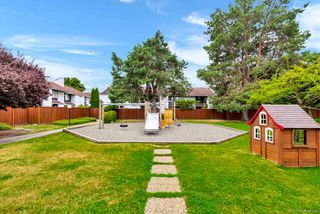 """Photo 21: 109 9700 GLENACRES Drive in Richmond: Saunders Townhouse for sale in """"GLENACRES VILLAGE"""" : MLS®# R2481776"""
