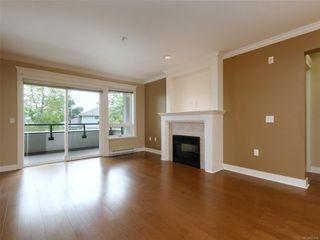 Photo 3: 209 537 Heatherdale Lane in : SW Royal Oak Condo for sale (Saanich West)  : MLS®# 851834