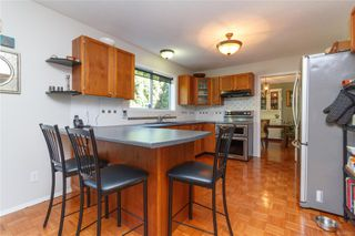 Photo 9: 1532 Palahi Pl in : SE Mt Doug Single Family Detached for sale (Saanich East)  : MLS®# 854453