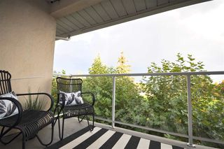 """Photo 7: 310 19835 64 Avenue in Langley: Willoughby Heights Condo for sale in """"Willowbrook Gate"""" : MLS®# R2512847"""