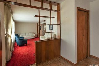 Photo 2: 331 Carleton Drive in Saskatoon: West College Park Residential for sale : MLS®# SK834254