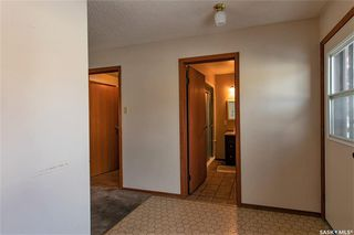 Photo 12: 331 Carleton Drive in Saskatoon: West College Park Residential for sale : MLS®# SK834254
