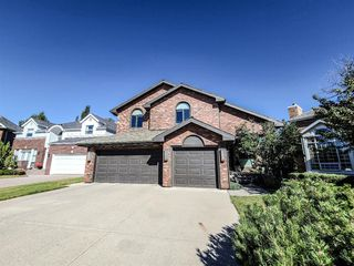 Photo 2: 21 Christie Briar Green SW in Calgary: Christie Park Detached for sale : MLS®# A1057431