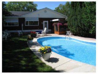 Photo 9: 961 CRESTVIEW PARK Drive in WINNIPEG: Westwood / Crestview Residential for sale (West Winnipeg)  : MLS®# 2814688