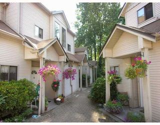 "Photo 1: 3 98 BEGIN Street in Coquitlam: Maillardville Townhouse for sale in ""LE PARC"" : MLS®# V807215"