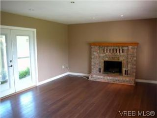 Photo 2: 683 Goldie Avenue in VICTORIA: La Thetis Heights Single Family Detached for sale (Langford)  : MLS®# 279333
