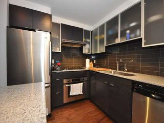 "Photo 3: 986 RICHARDS Street in Vancouver: Downtown VW Townhouse for sale in ""TRIBECA"" (Vancouver West)  : MLS®# V836180"