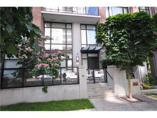 """Photo 1: 986 RICHARDS Street in Vancouver: Downtown VW Townhouse for sale in """"TRIBECA"""" (Vancouver West)  : MLS®# V836180"""