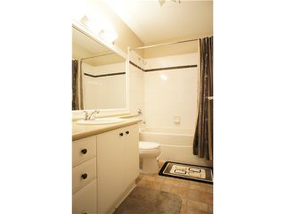 """Photo 8: 55 7488 SOUTHWYNDE Avenue in Burnaby: South Slope Townhouse for sale in """"LEDGESTONE 1"""" (Burnaby South)  : MLS®# V864166"""