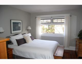 "Photo 8: 3049 ONTARIO Street in Vancouver: Mount Pleasant VW House for sale in ""MOUNT PLEASANT"" (Vancouver West)  : MLS®# V753820"