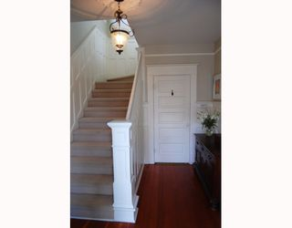 "Photo 2: 3049 ONTARIO Street in Vancouver: Mount Pleasant VW House for sale in ""MOUNT PLEASANT"" (Vancouver West)  : MLS®# V753820"